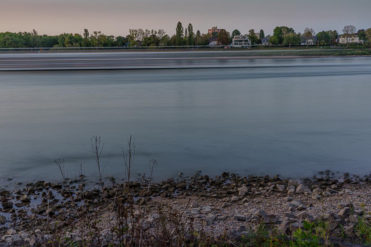 Blick zur rechten Rheinseite